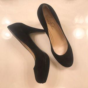 Marc Fisher Classic Black Heels - size 6 1/2
